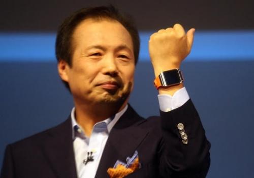 缘何三星智能手表高调入市 如今沦为赠品?