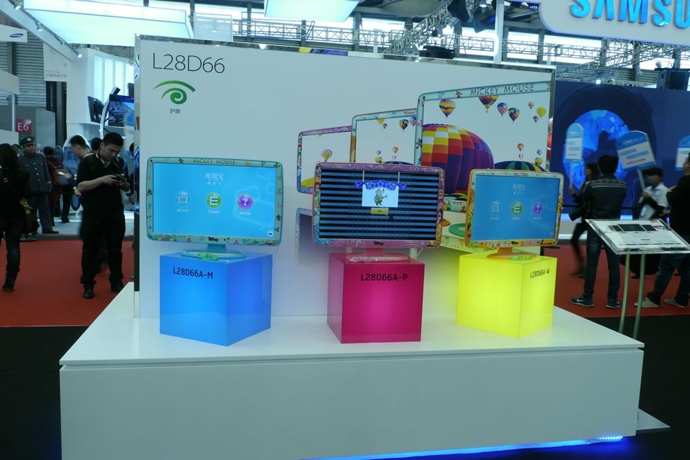 TCL联合迪士尼共推儿童电视机D66A,意在为孩子打造高质量娱乐、学习的同时不影响孩子的身心发展。儿童电视采用了卡通形象的塑料外壳,机身LOGO并不是TCL,而是迪士尼。