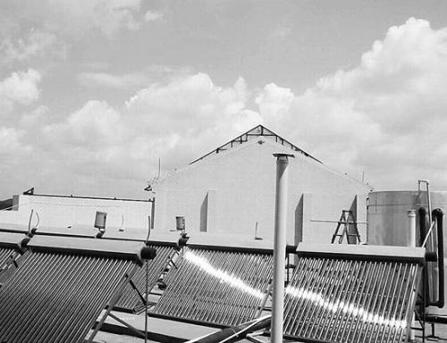 太阳能热水器步履蹒跚
