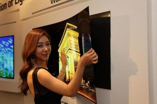 LG推薄如墙纸般的电视 厚度不足1毫米