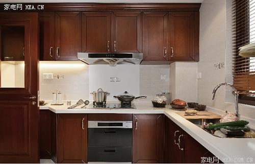 厨房面积小,但想装欧式油烟机?
