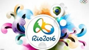奥运会接近尾声了 大屏电视锁定闭幕式瞬间