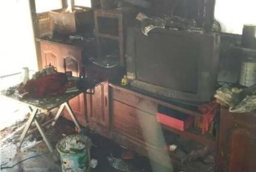 冰箱买了不到3个月意外起火