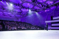 富士康赋能夏普之后,首次以新品发布的形式亮相中国市场,夏普旷视系列产品一方面是富士康强大的工业生产能力,另一方面是百年夏普的技术积淀,双方将近一年的融合后,诞生了这样一款拥有超前工业设计的电视产品。