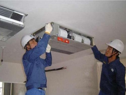 装空调花大半年时间 没等使用却发现主板坏了