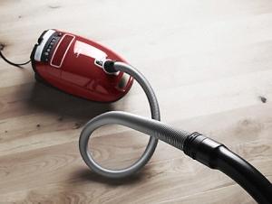 吸尘器:线下市场回暖 细分市场生变