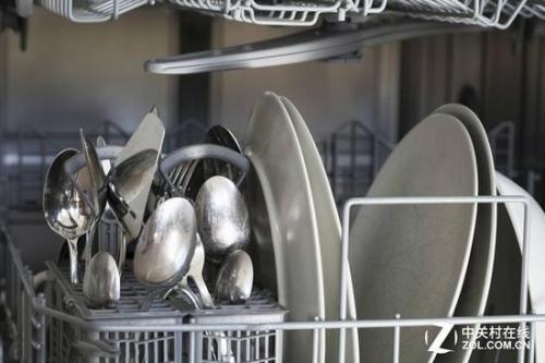 差异化极小的智能厨电让消费者无从选择