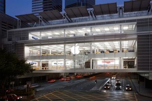 苹果香港零售店发生电池爆裂 两名员工被送医救治