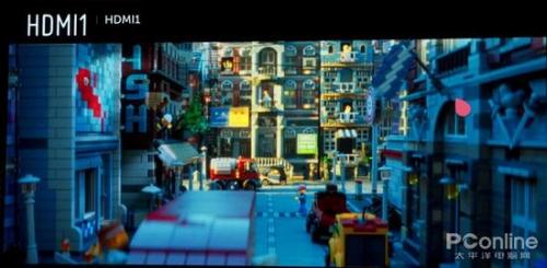 《乐高大电影》上:4K Ultra HD Blu-ray;下:FHD Blu-ray