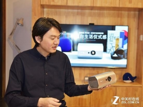 液晶电视和投影的屏幕尺寸都在增长