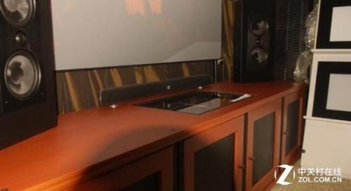专用的激光电视柜可以给用户更好的使用体验