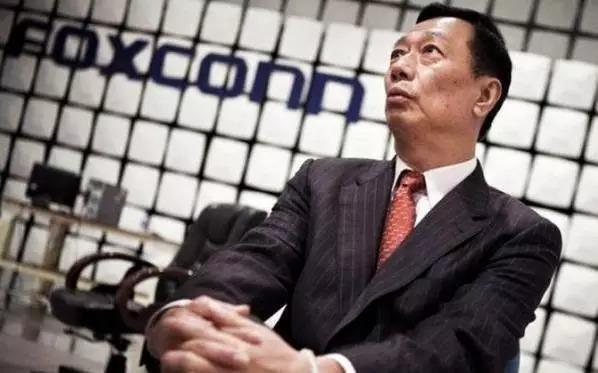 """富士康IPO:""""血汗工厂""""要转型互联网 你会买吗?"""