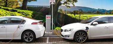 家电跨界新能源汽车,多歧路今安在?