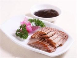 方青卓寻味30年 老板电器还原记忆酱牛肉味道