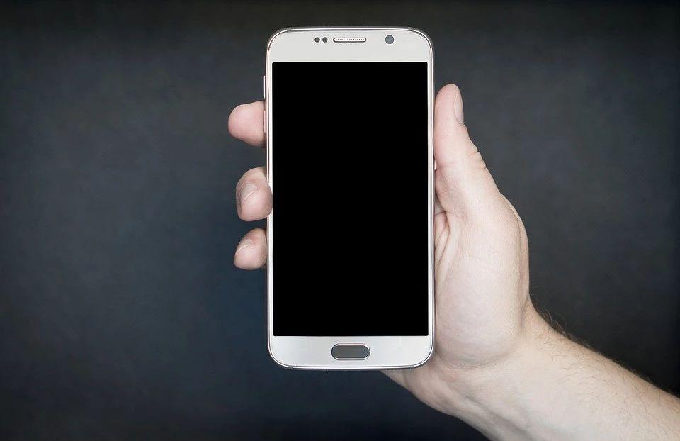 唠嗑丨那些年我们用过的手机,现在怎样了?