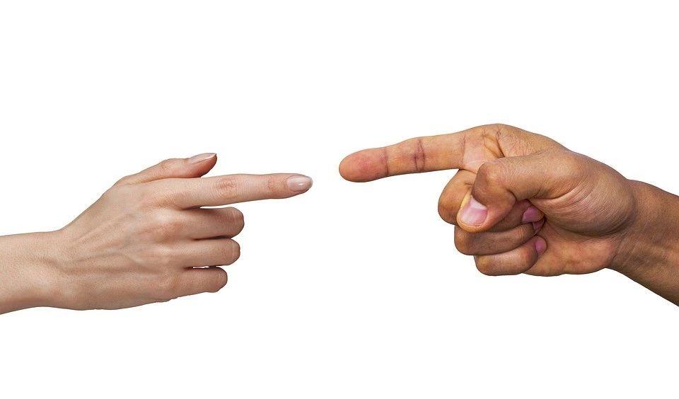 唠嗑丨遇事不决先吵架?科技圈大佬是怎么吵的