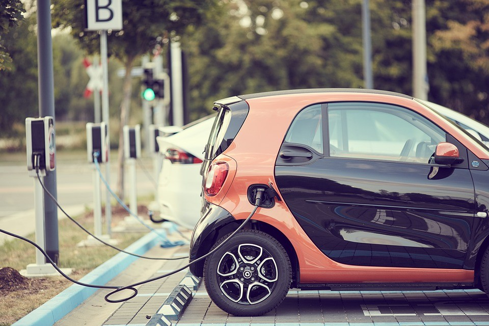 市场规模将超200亿元 充电服务或将迎来爆发