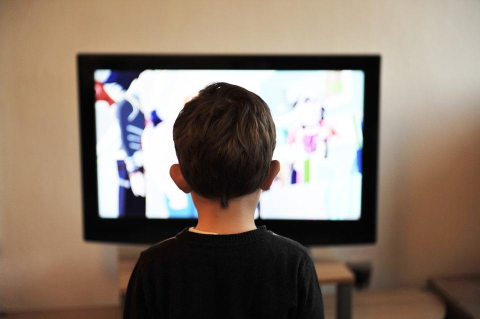 均价4万8,8K电视你买吗?