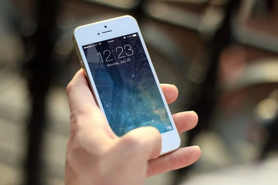 5G iPhone仍望如期推出 供应商否认被告知延迟出货