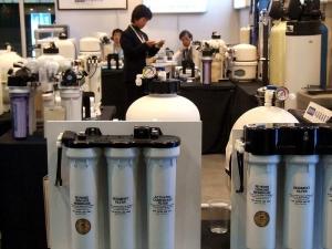 健康隐患:桶装水+饮水机 二次污染应引起警惕