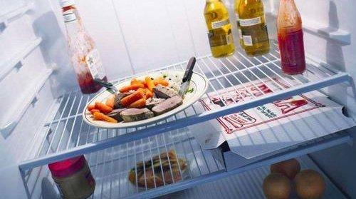 饭菜放凉再放进冰箱,保存效果会更好吗