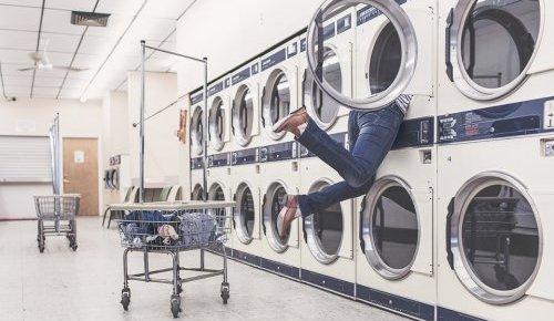 """""""洗烘一体机""""与""""洗衣机+干衣机""""哪个更适合?"""
